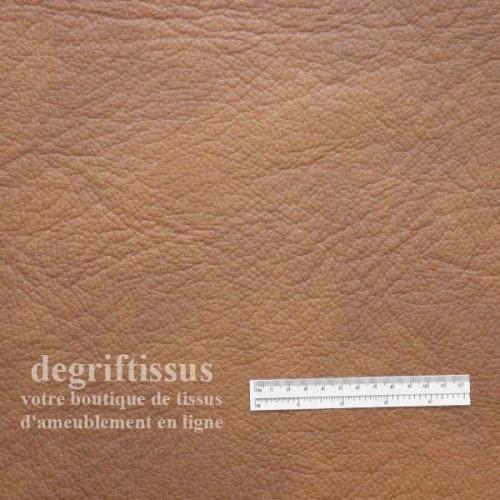 Dégriftissus vous propose ce tissu d'ameublement cuir pleine fleur fauve nuagé haut de gamme doublé d'une fine mousse au milieu