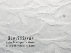 Satin d'ameublement tissé gauffré blanc Dégriftissus vous propose ce tissu d'ameublement satiné gaufré blanc Très beau tissu d'a
