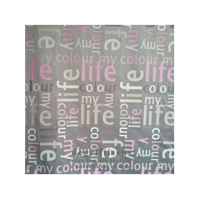 Satiné lettres rose Dégriftissus vous propose ce tissu d'ameublement satiné tissé, gris avec lettres roses, de haute qualité, po