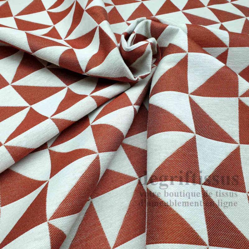 Tissu ameublement - Triangles écrus et brique - fauteuil - chaises - coussins - canapé - degriftissus.com