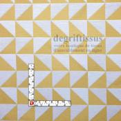 Tissus ameublement - Triangles écrus et jaunes - fauteuil - chaises - coussins - canapé - degriftissus.com