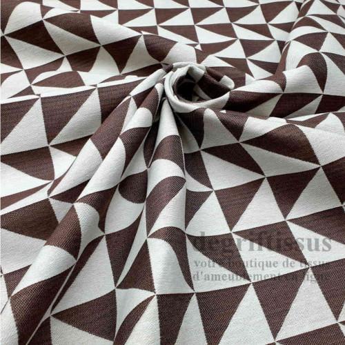 Tissu ameublement - Triangles écrus et terre brûlée - fauteuil - chaises - coussins - canapé - degriftissus.com