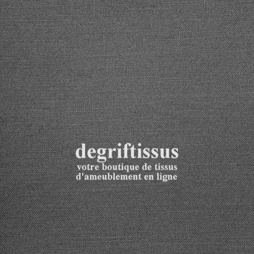 Dégriftissus vous propose ce tissu d'ameublement imitation lin gris, haute résistance, doublé toile, lisse au grain fin, de bell